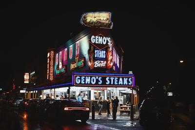 Pat's és Geno's Sajtos Steakszendvicsezői